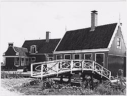 De herbouw van Schoolstraat 1 op de Zaanse Schans, eind jaren zestig