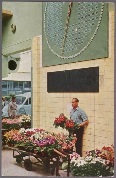 Veilingklok met opsteker, 1956.