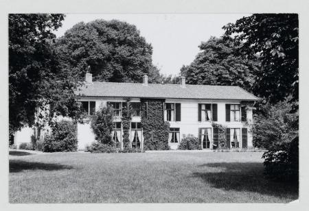 Zuidzijde van huize Schoonenberg, juli 1973.