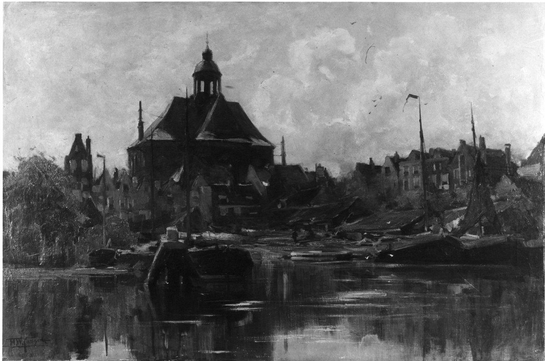 De Oosterkerk en scheepswerf 'Het Wapen van Amsterdam' gezien over de Kattenburgervaart vanuit het westen