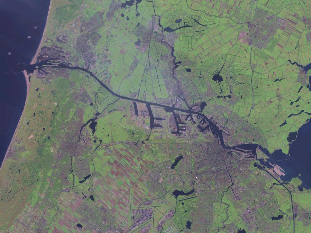 Noordzeekanaal.