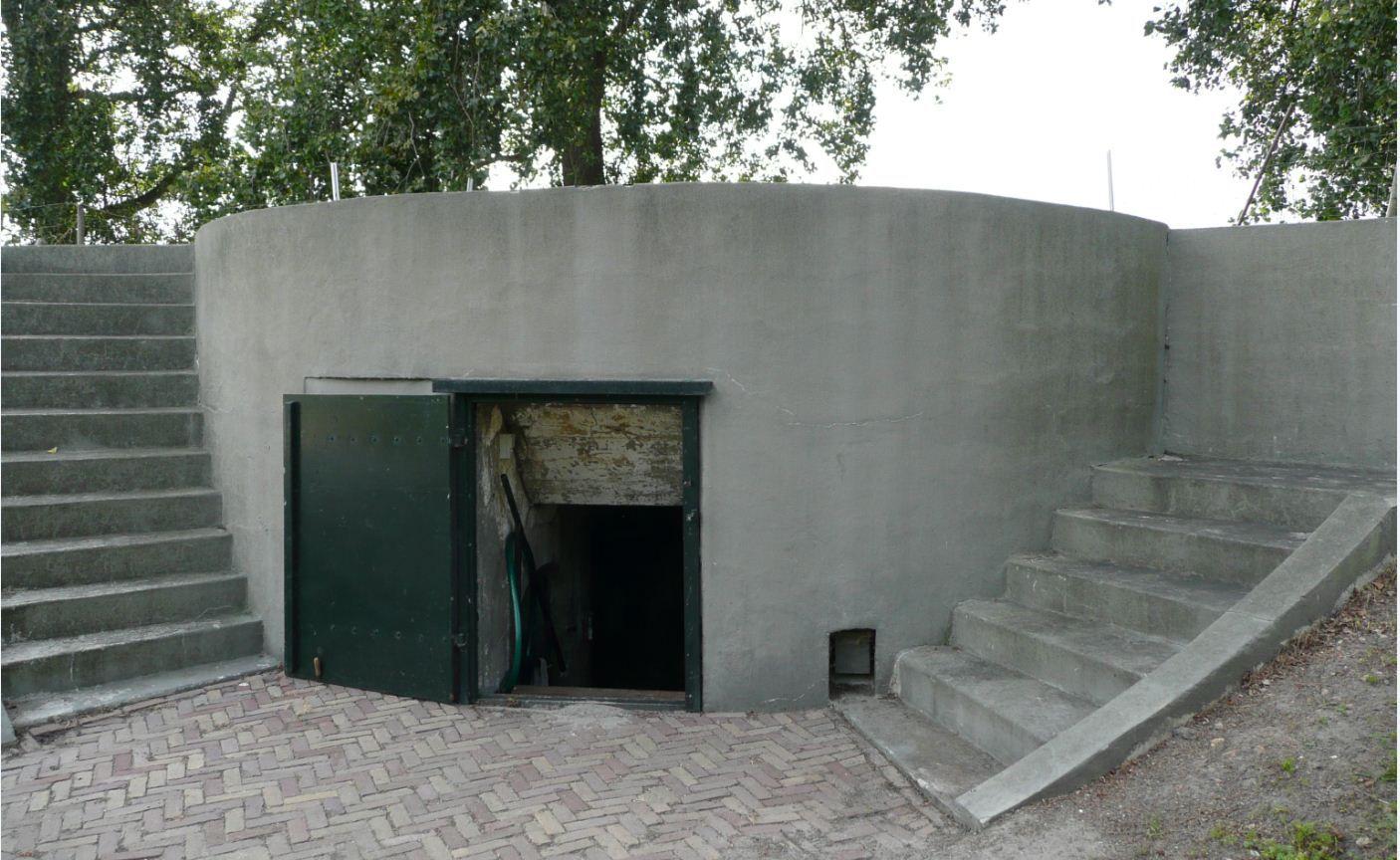 Hefkoepelgebouw Fort bij Aalsmeer.