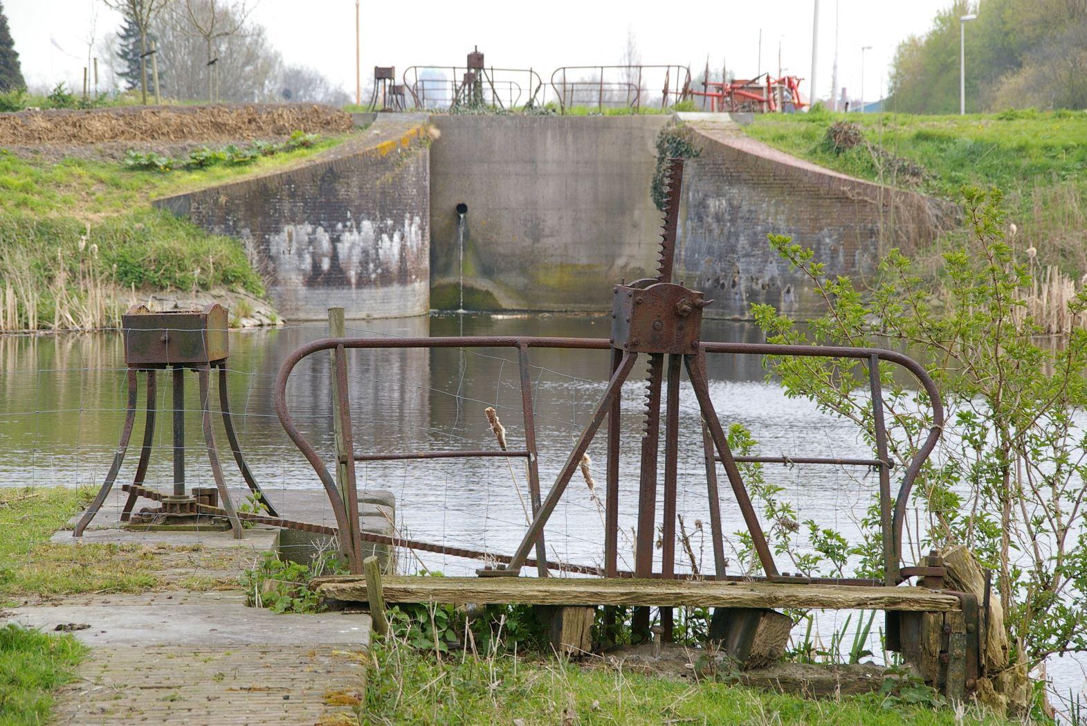 Dubbele schutsluis Fort bij Aalsmeer.