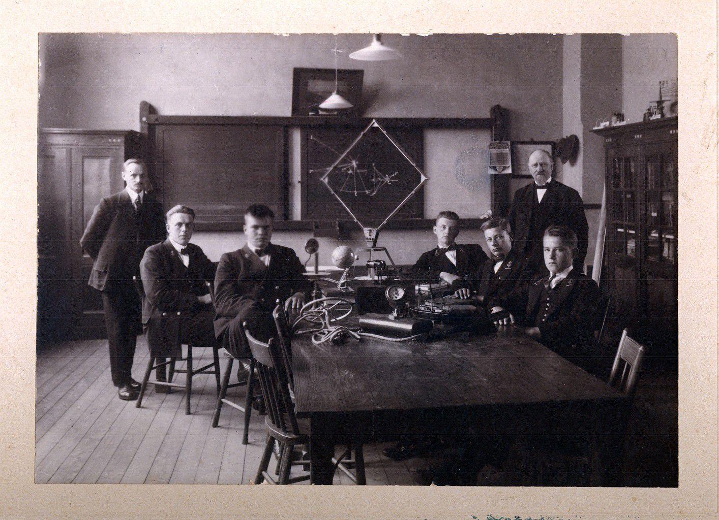 Klassefoto gedateerd 1923.