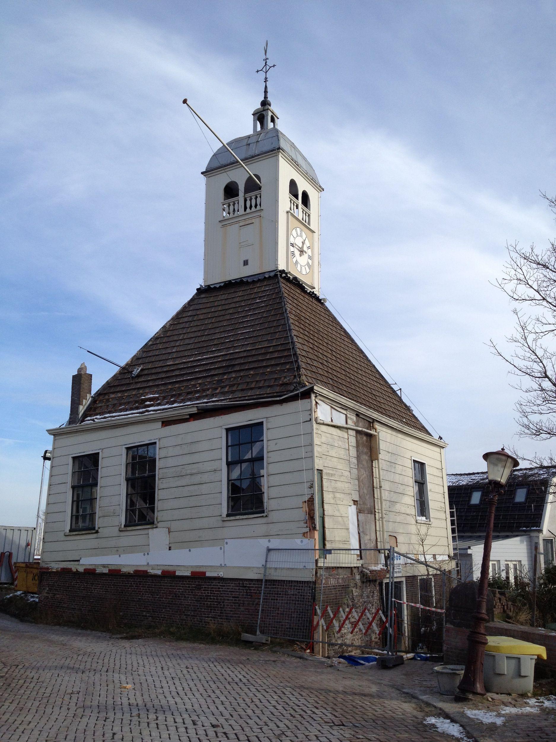 Kapel Durgerdam voor restauratie.