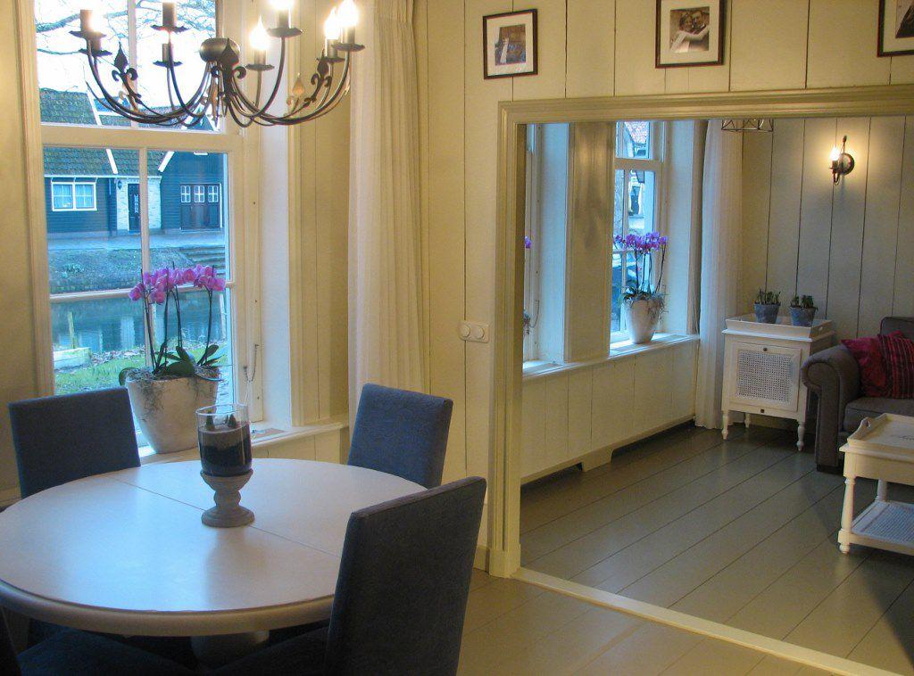 De woonkamer na de verbouwing