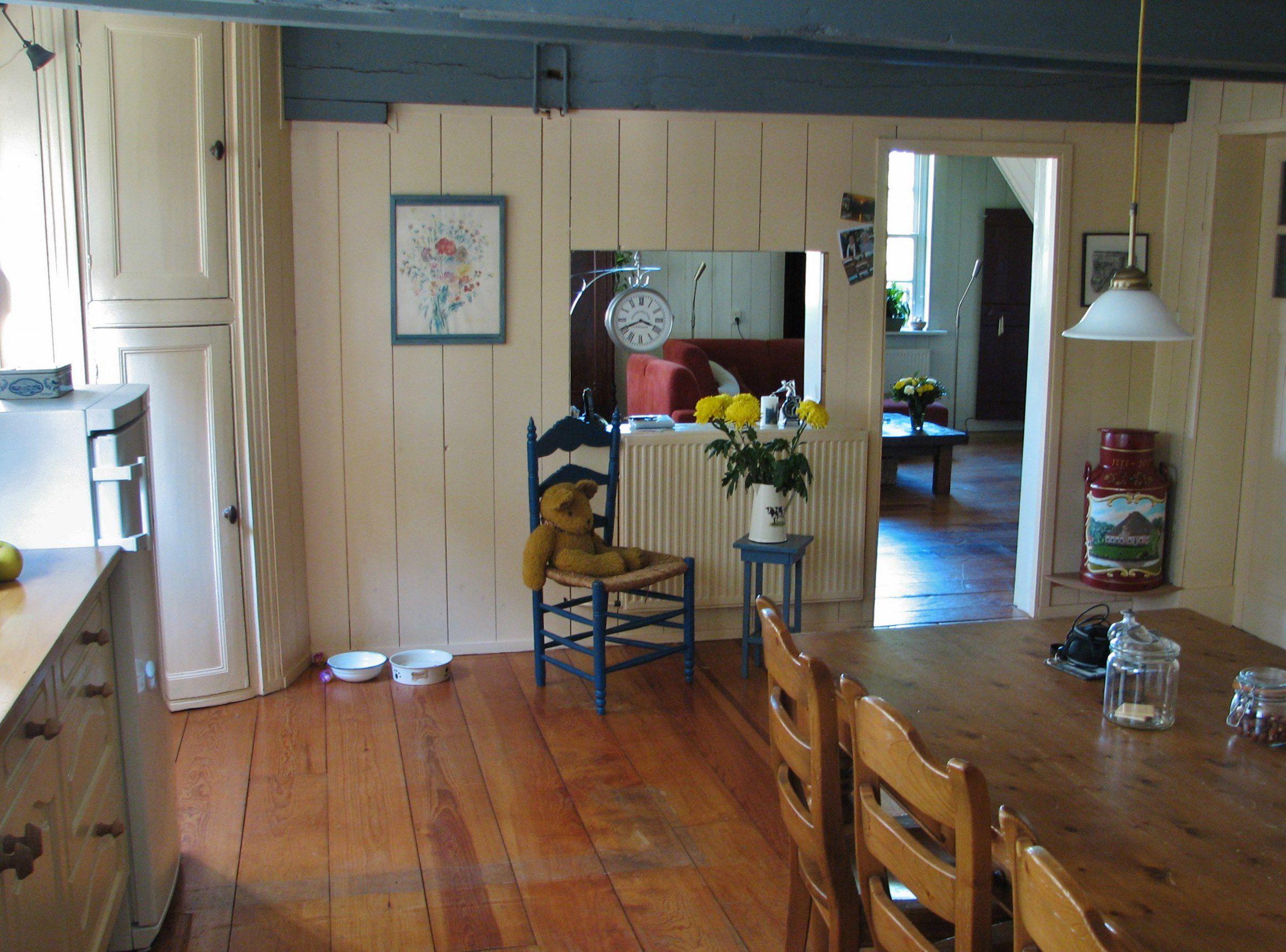 De woonkamer van stolpboerderij Oterleek  Foto Mart Groentjes