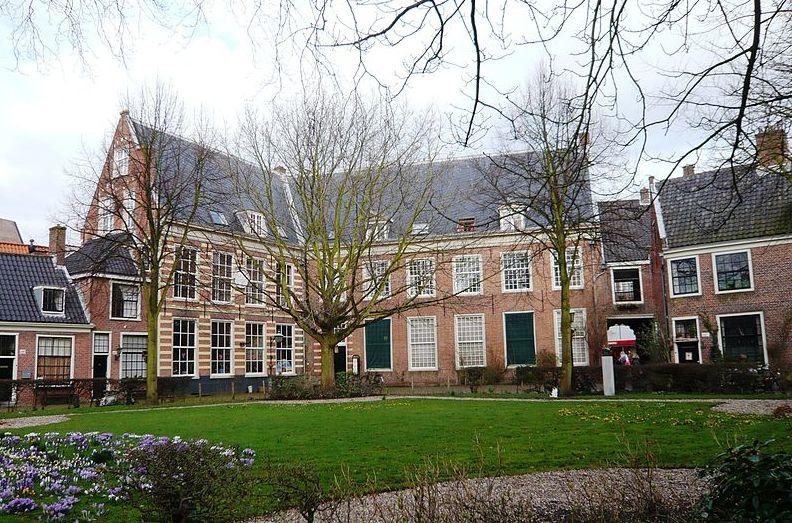 Binnenplaats van het Proveniershofje, Haarlem