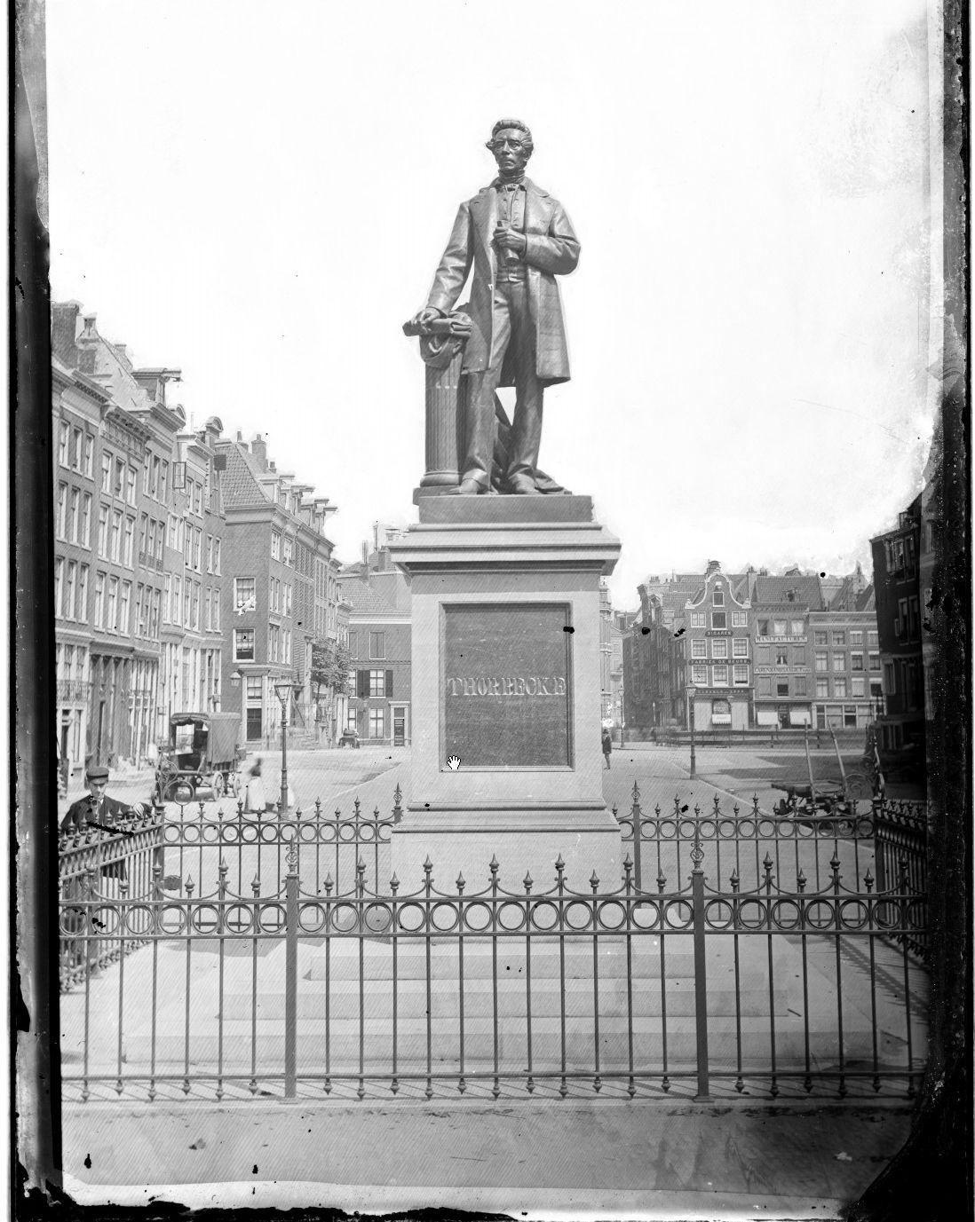 Het Thorbeckeplein omstreeks 1876