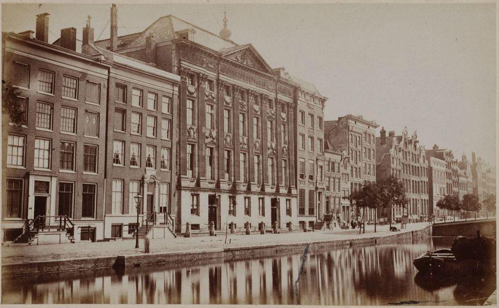 Het Trippenhuis aan de Kloveniersburgwal te Amsterdam (1865-1870)
