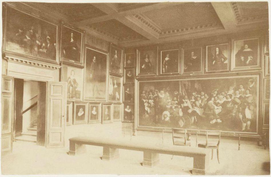 Inrichting van het Rijks Museum in het Trippenhuis (1865-1870)