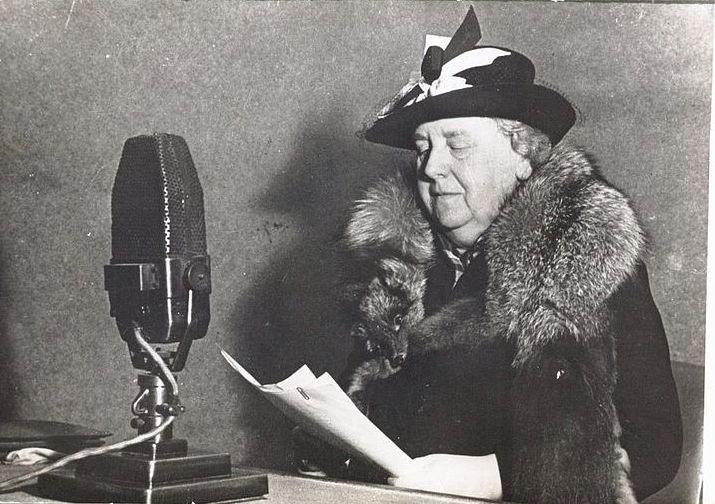 Wilhelmina bij Radio Oranje