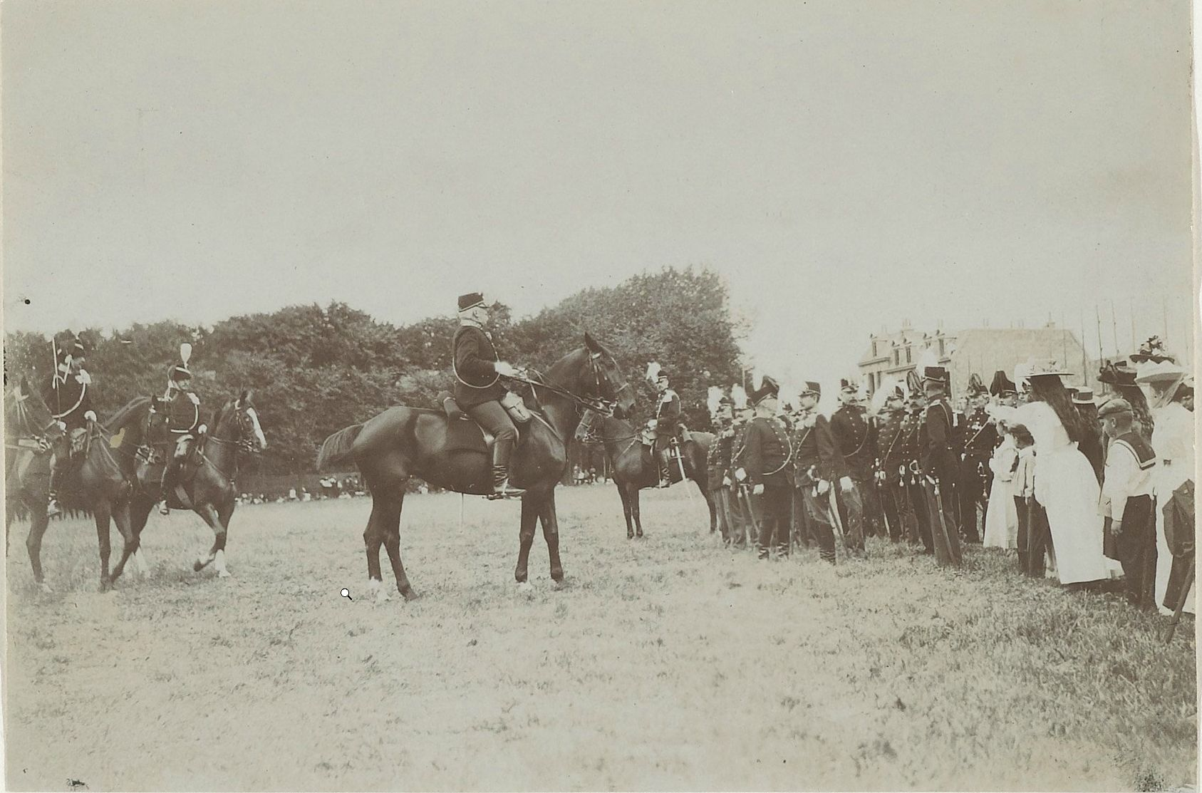 De cavalerie van de Ripperda kazerne