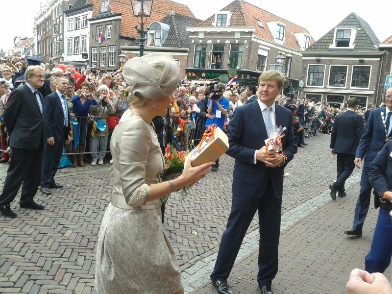 Máxima en Willem-Alexander krijgen de troonswisselingskruik