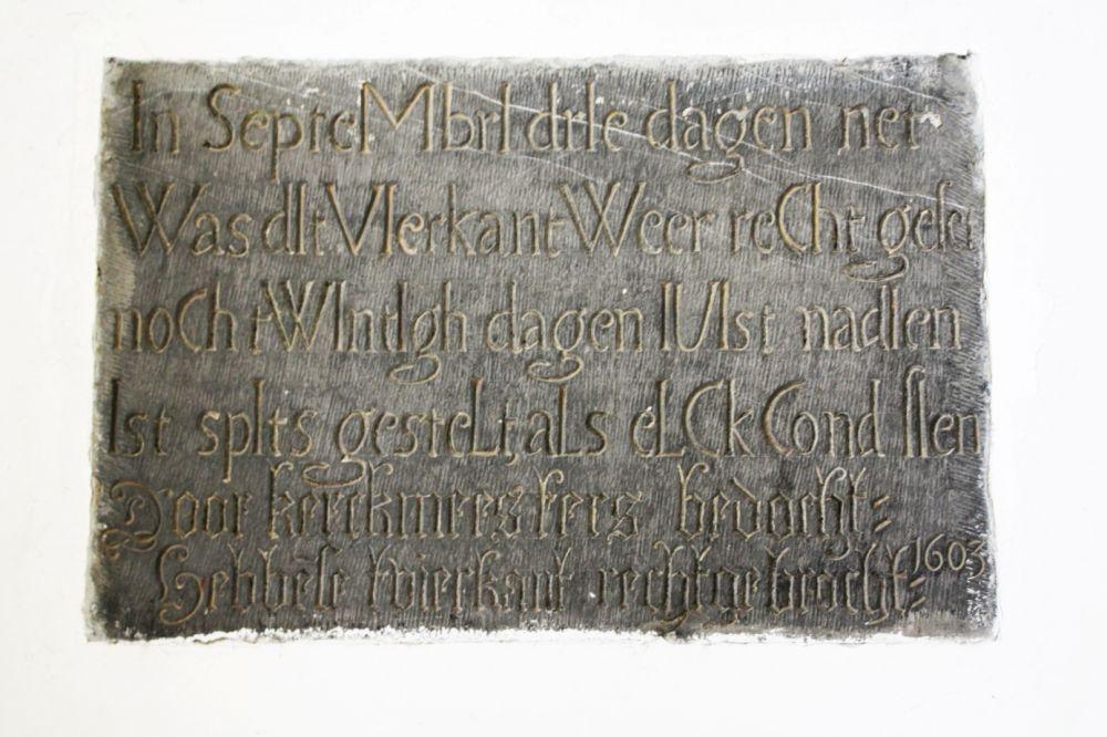 Talsteen in de Grote Kerk van Edam.