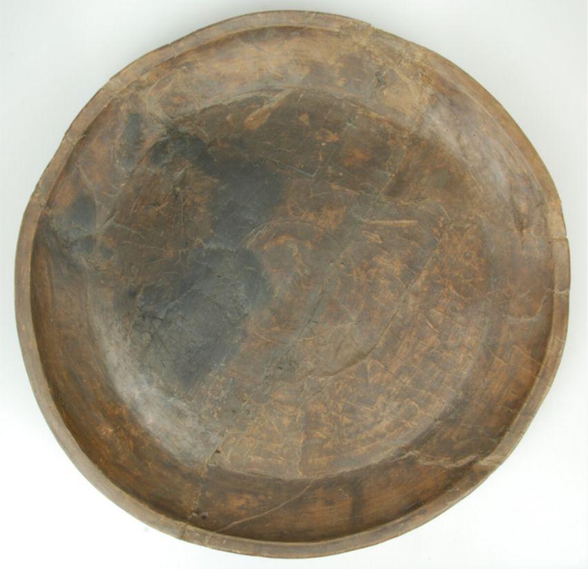 Houten schaal (1300-1400).