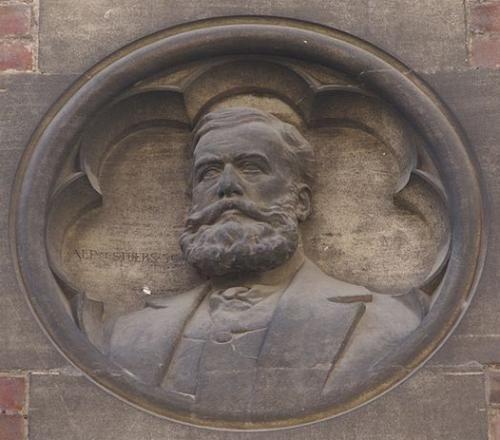 Victor de Stuers, gevelsteen Kruisherenstraat in Maastricht.