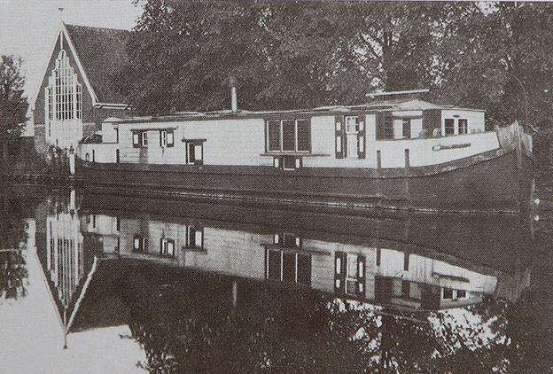 De Zwerver aan de Nieuwe Haven in Edam.