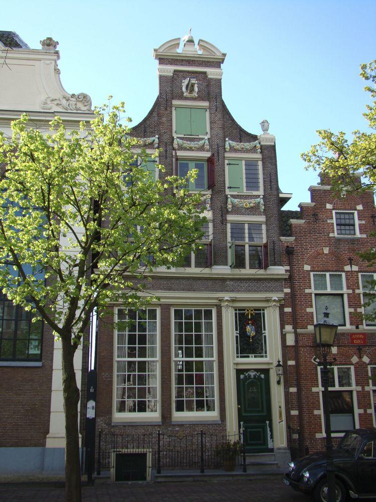 Huis met de Zwaan, het woonhuis van Nieuwenkamp aan de Voorhaven.