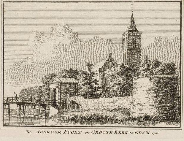 De Grote Kerk en de Noorderpoort, gravure uit 1726 naar een tekening van C. Pronk.