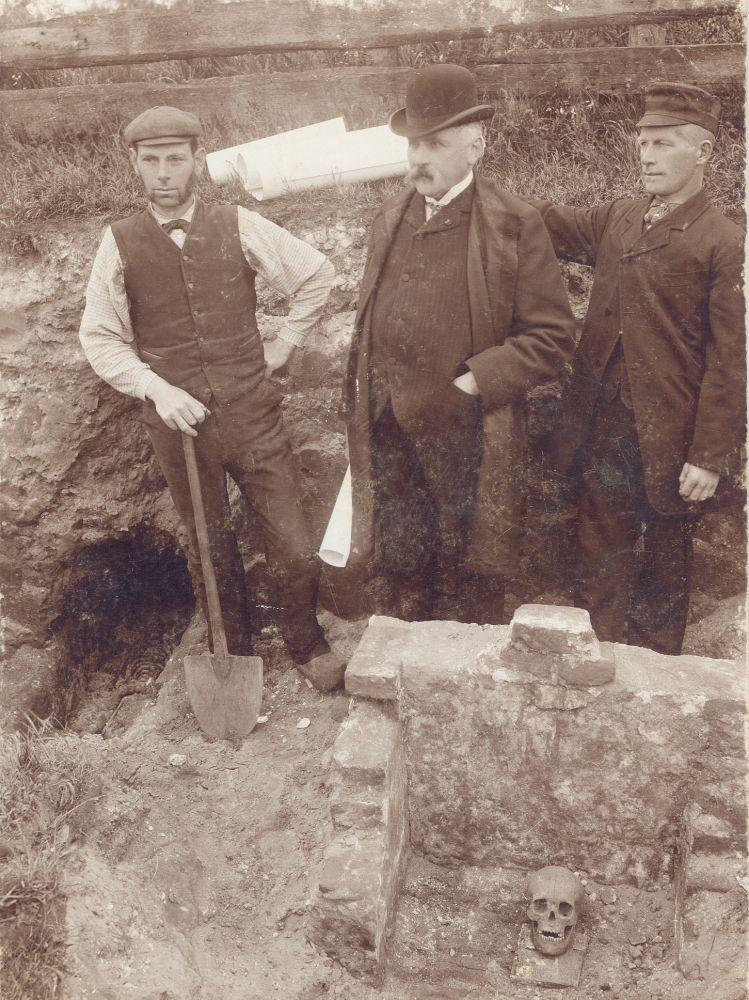Opgraving Abdij Egmond 1904.