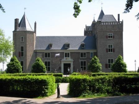 Slot Assumburg, voorzijde.