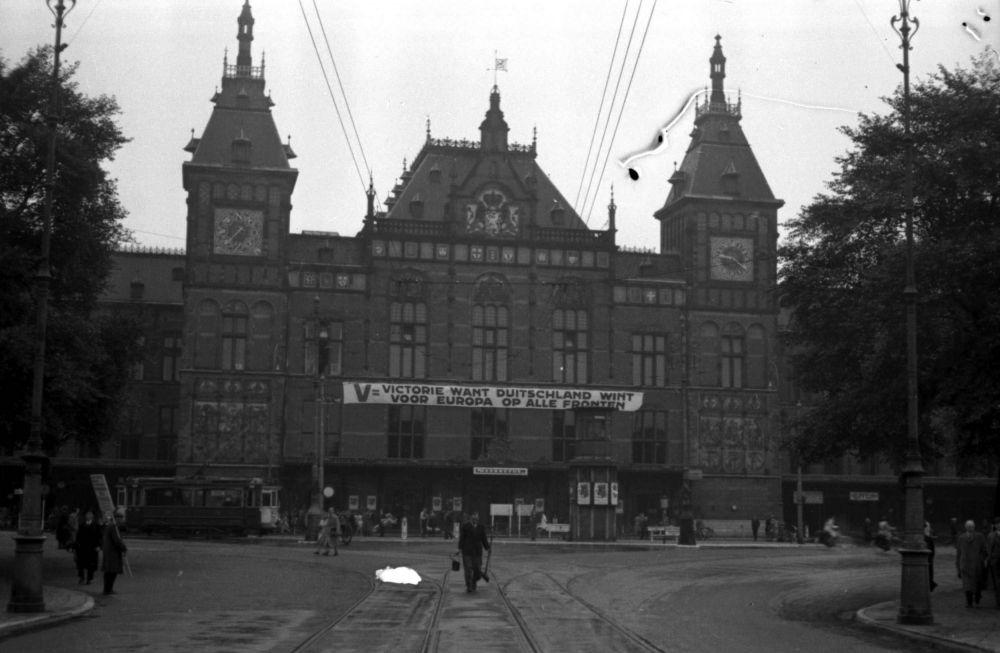 Stationsplein, zomer 1941.