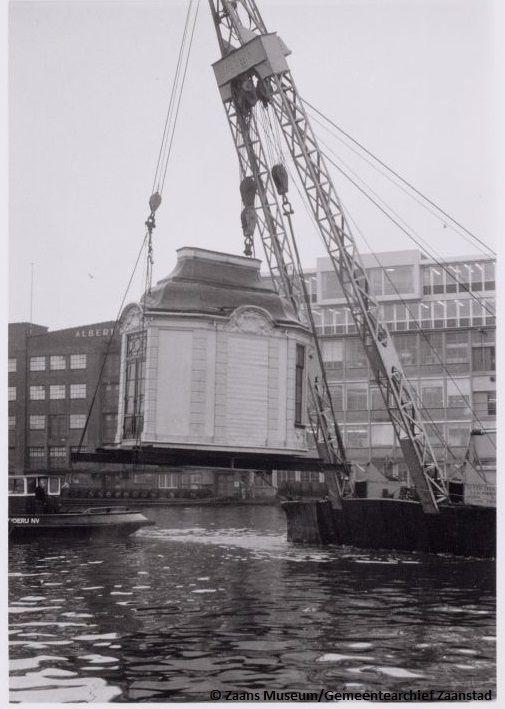 Het transport van de theekoepel op 13 december 1967