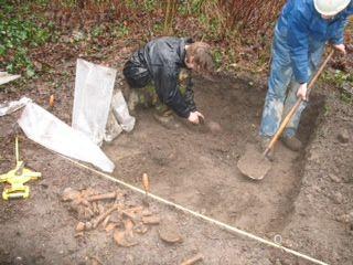 Opgraving bij Limmer St. Maartenskerk.
