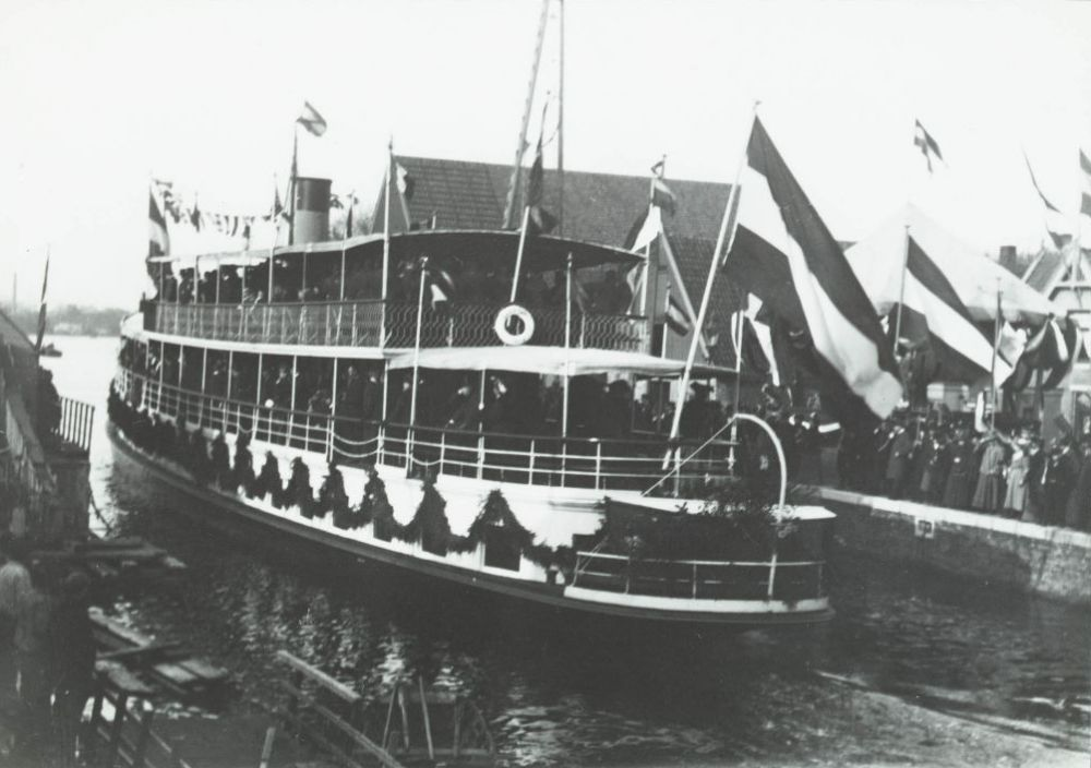 Opening Wilhelminasluis in 1903