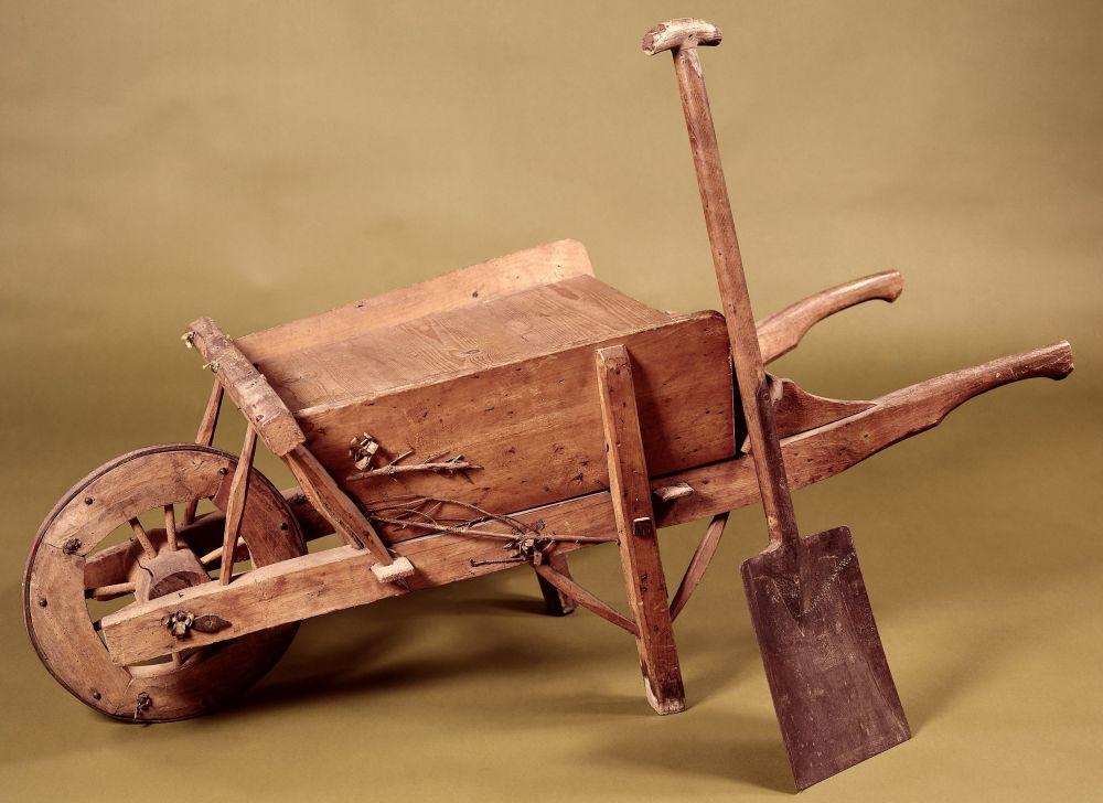 Kruiwagen waarmee een begin is gemaakt met de werken aan het Noordzeekanaal, anoniem, 1865