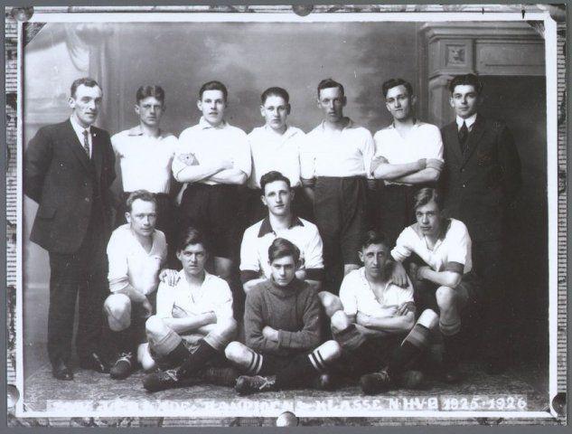 Zaandam Voetbalclub Verkade in 1926 - Foto: collectie Gemeentearchief Zaanstad