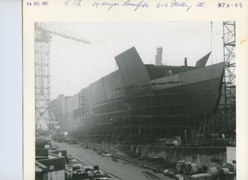 Vrachtschip ms Nicobar in aanbouw op de NDSM werf.