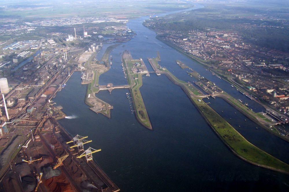 Het huidig sluizencomplex in IJmuiden