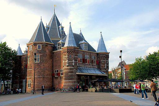 De Waag in Amsterdam vandaag de dag