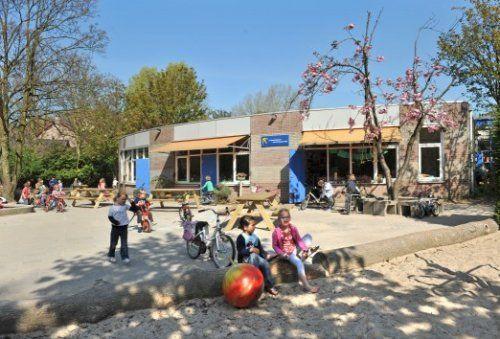 Exterieur van de 2e Openluchtschool voor het Gezonde Kind