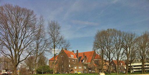 De Sint Ritakerk en bijbehorend klooster in Amsterdam-Noord