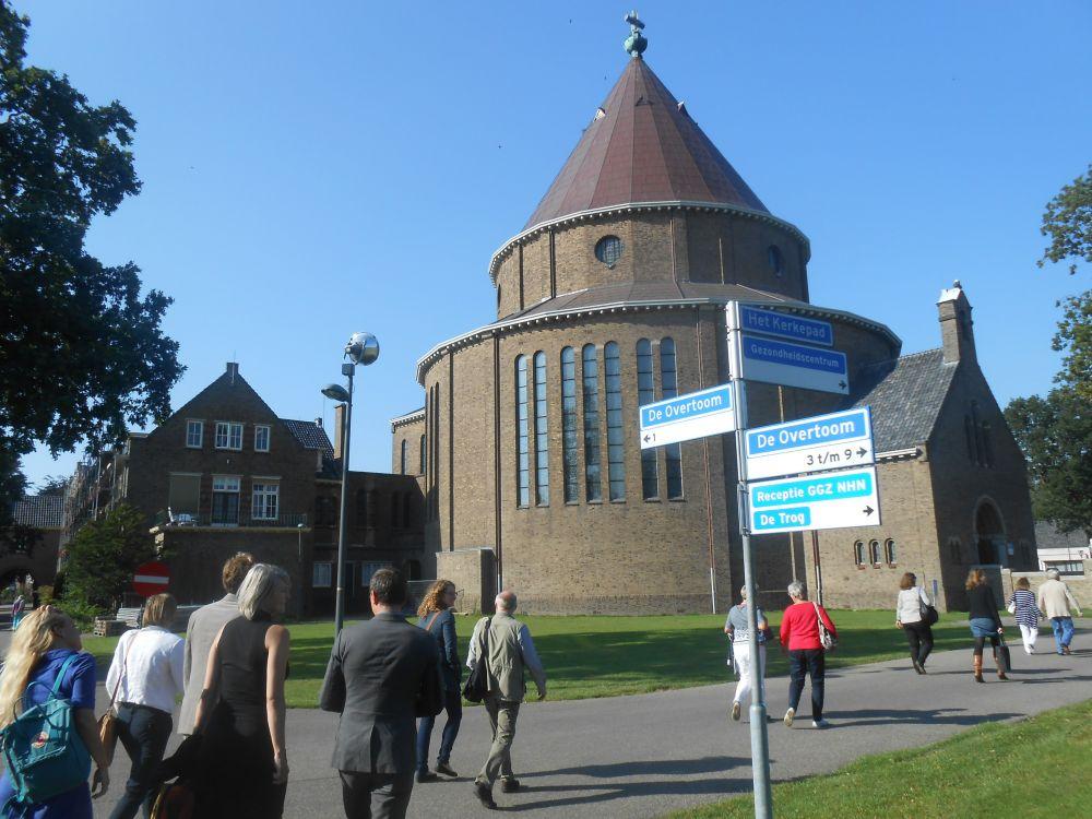 De voormalige kapel van het St. Willibrorduscomplex in Heiloo, inmiddel tot Cultuurkoepel omgedoopt.