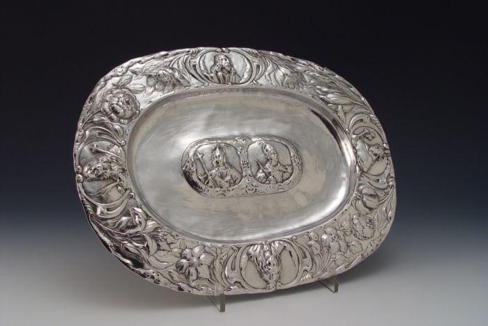 De zilveren lavaboschaal van Isbrant Blom