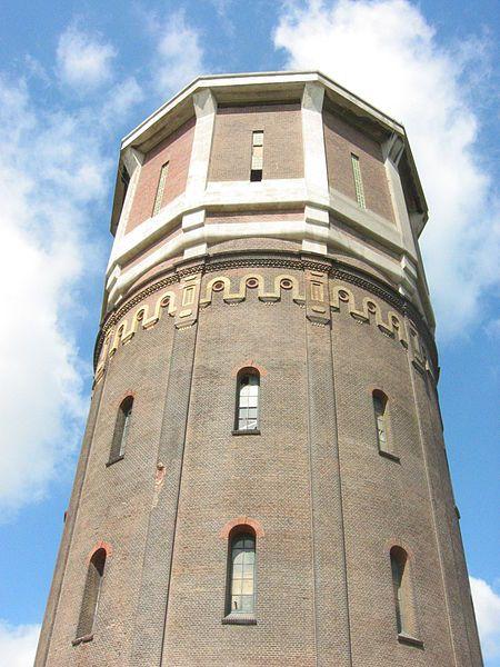 De Watertoren van Assendelft. Beeld: Wikimedia Commons.
