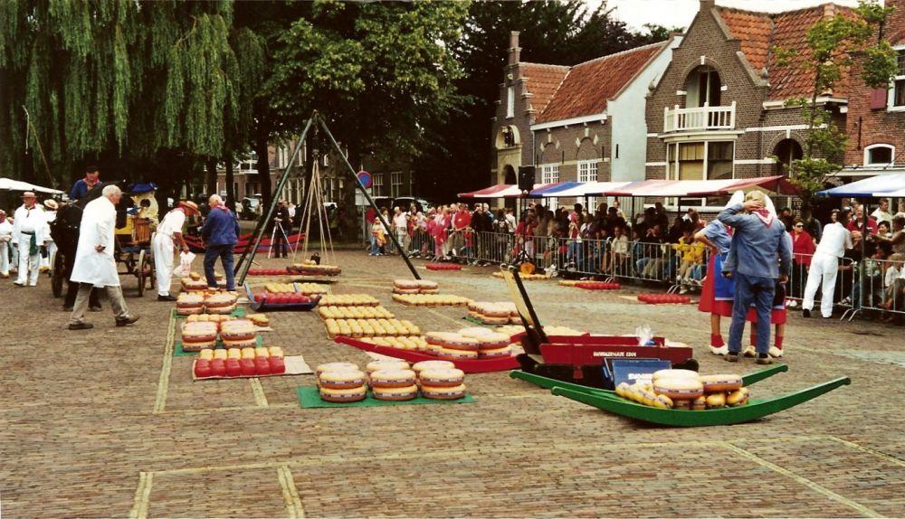 Kaasmarkt Edam, augustus 2006.