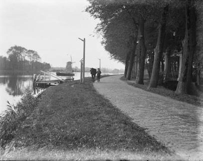 Rolpaal langs de Amstel