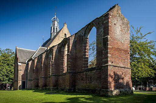 De Ruïnekerk te Bergen.