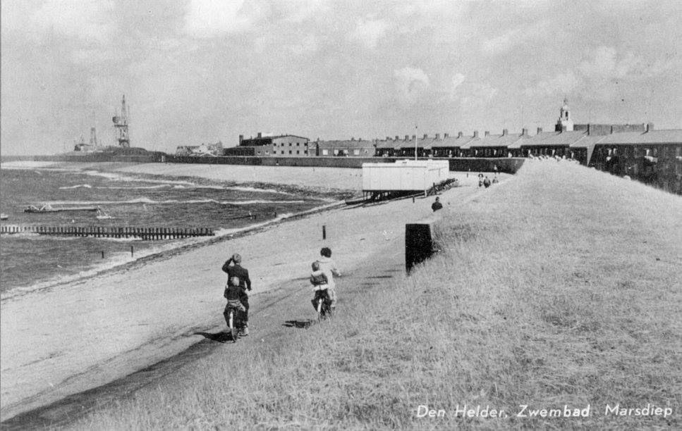 Het zeezwembad in het Marsdiep, ca. 1950.
