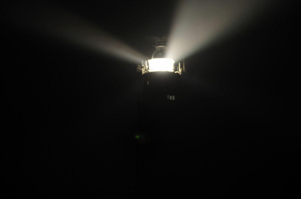Vuurtoren Eierland in het donker