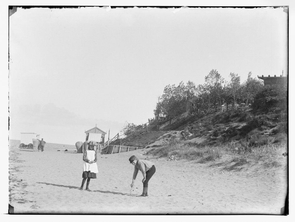 Op het strand bij Muiderberg