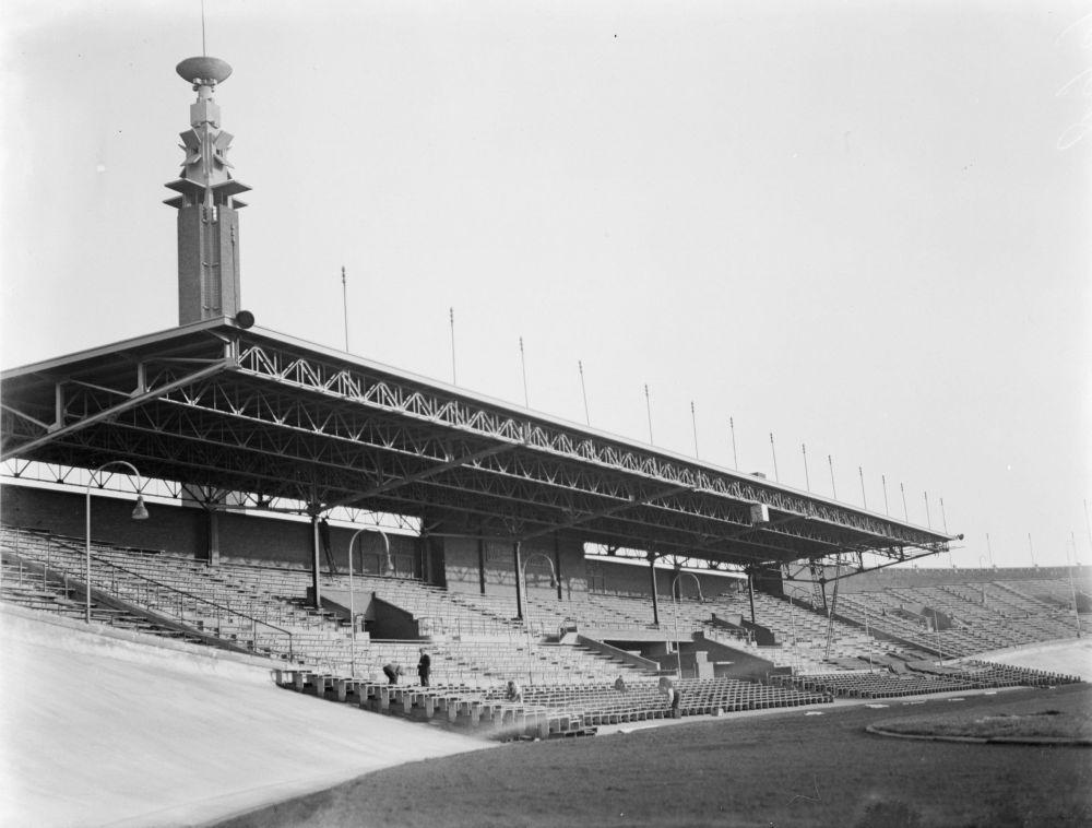 Olympisch Stadion met Marathontoren