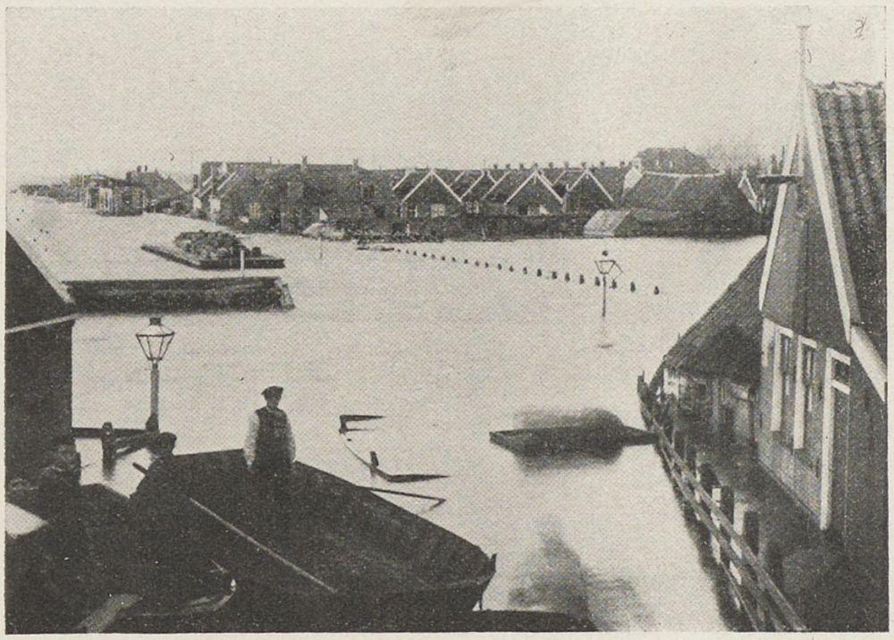 Volendam tijdens overstrooming 1916