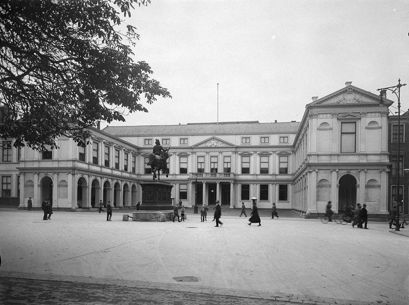 Paleis Noordeinde, Den Haag. Beeld: C. Steenbergh, Rijksdienst voor het Cultureel Erfgoed via Wikimedia Commons.