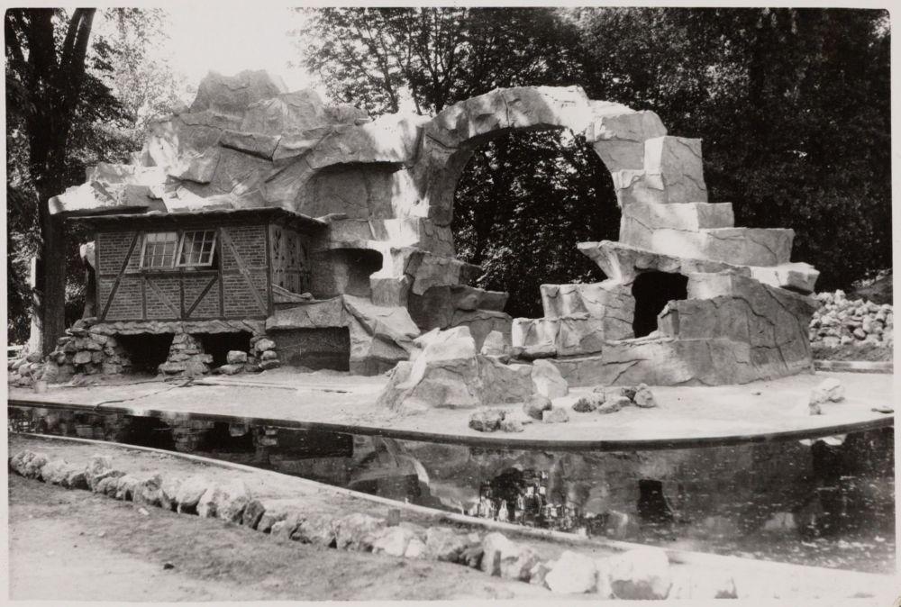 Tijdens de oorlog worden verblijven zelfs nog verbouwd.